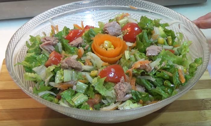 Ton Balıklı Mısırlı Salata Tarifi