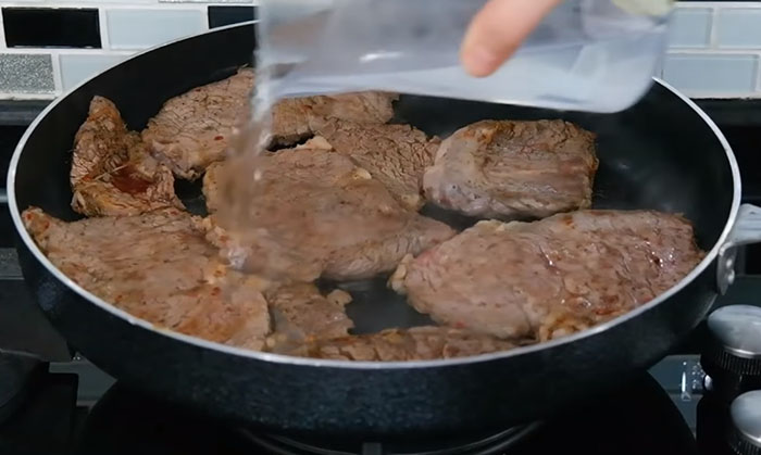 Tavada Biftek Tarifi