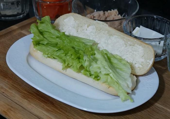 Ton Balıklı Sandviç Yapılışı