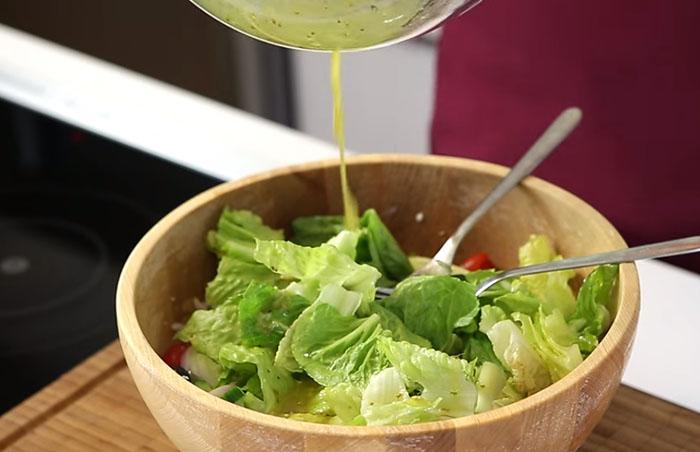 Yunan Salata Sosu