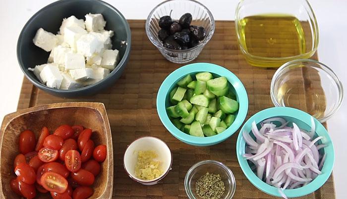 Yunan Salatası Malzemeleri