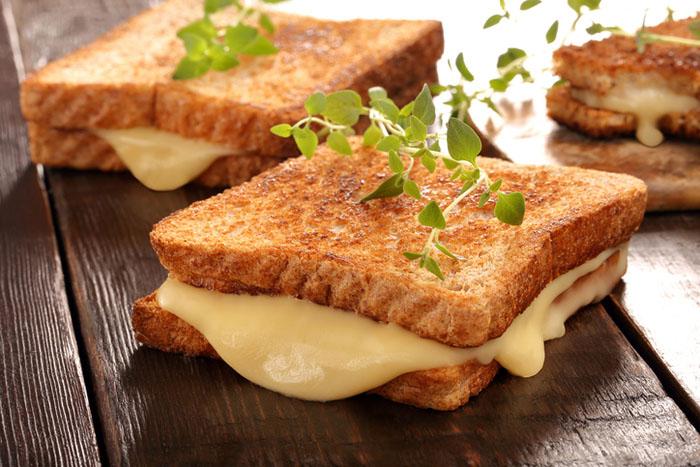 Kaşarlı Tost Kalori